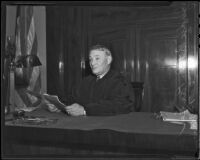 Judge Pat Parker presides over the Buron Fitts perjury trial, Los Angeles, 1936