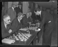 Hermain Steiner faces off against Solomon Wolos at the Chess and Checker Club, Los Angeles, 1936