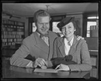 Court aides Frederick O. Fields and Dorothy Koerner apply for a marriage license, Los Angeles, 1936