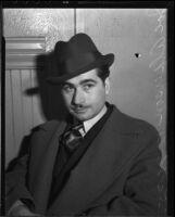 "Confidence man Joe ""Spike"" Alperson is taken to court, Los Angeles, 1935"