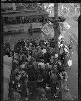 Christmas shopping crowd at 7th and Broadway, Downtown Los Angeles, 1935