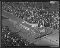 """Washington Crossing the Delaware"" float at the Tournament of Roses Parade, Pasadena, 1936"