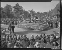 """Benjamin Franklin"" float at the Tournament of Roses Parade, Pasadena, 1936"