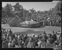 """World Peace in 1918"" float at the Tournament of Roses Parade, Pasadena, 1936"