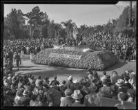"""Washington Crossing the Delaware"" float at the Tournament of Roses Parade, Pasadena, 1936"