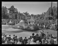 """George Washington"" float at the Tournament of Roses Parade, Pasadena, 1936"