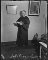 Judge James H. Pope demonstrates proper attire for judges, Los Angeles, 1935
