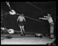 Art Lasky and Frank Wallulis fight at Hollywood Legion Stadium, Los Angeles, 1936