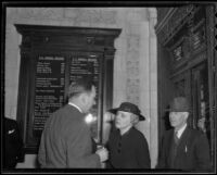 Laura Perry Vail escorted by agent Arthur D. Hanson, Los Angeles, 1936