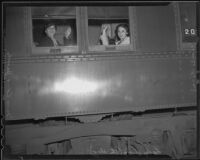 Mrs. Edna Jacobs, Elaine Barrie, and Lady Bing depart Santa Fe Station, Los Angeles, 1936