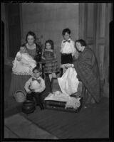 Mrs. R. B. Dugan poses with Mrs. Wandyne O'Connor and the O'Connor children Timothy, Maurine, Patrick, and Michael, Los Angeles, 1936