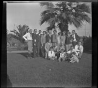 Whitaker family gathers in Alhambra Park, Alhambra, about 1930