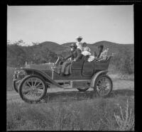 Nella A. West, Mary A. West, Frances West, Elizabeth West and Minnie West posing in the Duro Car, Santa Clarita vicinity, about 1910