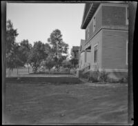 Front yard of the West's house, Los Angeles, 1897