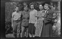 Richard Siemsen, Walter Burgess, Dorothea Siemsen, Elizabeth Siemsen and Mertie West pose outside the Siemsen residence, Glendale, 1943