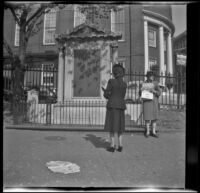 Mertie West reads the Boston Common Tablet, Boston, 1947