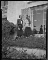 Chi Omega sorority sisters Doris MacDougall and Radine Hoag, Westwood, Los Angeles, 1936