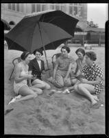 Mrs. John E. Bryant Jr., Edna Hammond, Jean Mills, Mrs. J. Thomas Mahl, and Margaret Kelsey enjoy the beach, Del Mar, 1936