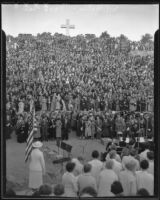 Thousands gather for Easter service at Mt. Helix, La Mesa, 1936
