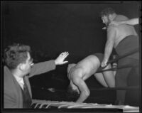 Wrestling match between Man Mountain Dean and Vincent Lopez, Los Angeles, 1936