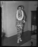 Wilma Gartzman dressed in a Tahitian ensemble, Alhambra, 1936
