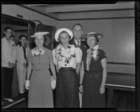 Roy G. Putnam, Annie Putnam, Joan Putnam and Barbara Richards prepare to depart for Honolulu, Beverly Hills, 1936