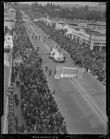 General view of the Tournament of Roses Parade, Pasadena, 1939