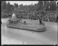 """Golden Empire"" float from Sacramento at the Tournament of Roses Parade, Pasadena, 1939"