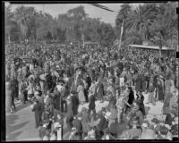 Large crowd gathered to watch the Tournament of Roses, Pasadena, 1939