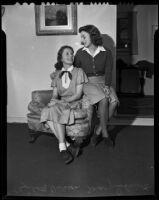 Debutantes Elizabeth Dickson and Mary Schmidt, Los Angeles, 1939