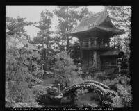 Temple Gate at the entrance to the Japanese Village, Golden Gate Park, San Francisco, 1913