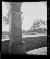 Fountain seen from the Convento at the Mission San Fernando, Rey de España, Los Angeles, 1922